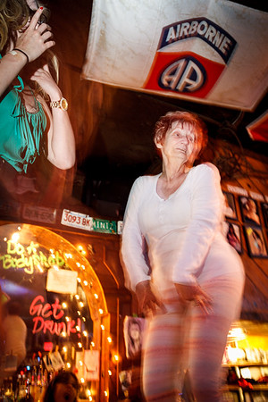 Coyote Ugly Austin (09-May-2014)
