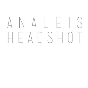 Analeis Headshot