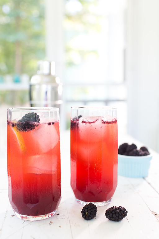 Blackberry Fence Hopper - a summery fruity vodka cocktail