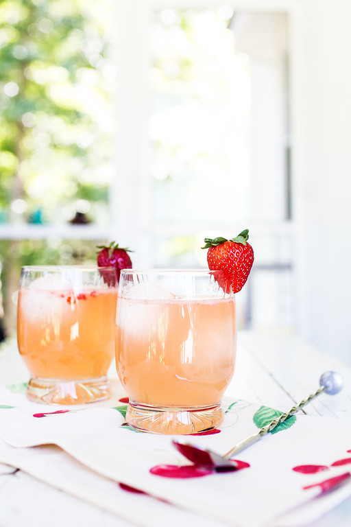 Strawberry Ginger Gin Fizz