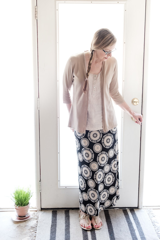 Capsule Wardrobe Fashion Over 50 maxi skirt transition to fall