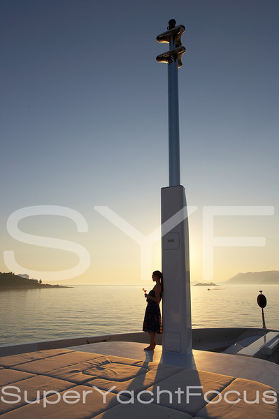 YR5Z4788Sunset,girl,foredeck