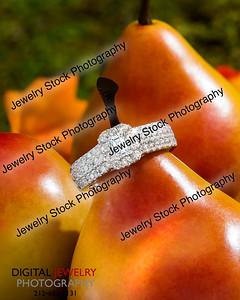 Diamond Halo Pear on Pears Lifestyle