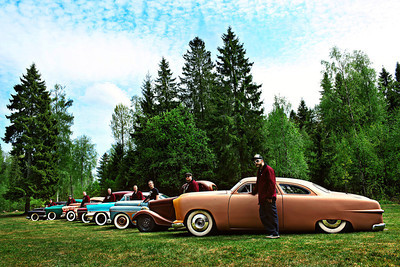 The Norwegian American Car Club - Coupe Devils in a forest of Norway