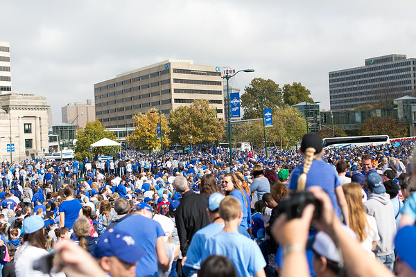 2015Nov3-RoyalsParade-WorldSeries-0036