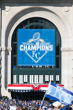 2015Nov3-RoyalsParade-WorldSeries-0018