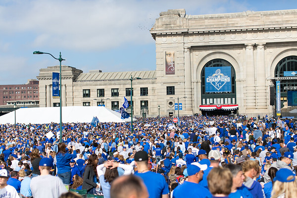 2015Nov3-RoyalsParade-WorldSeries-0039