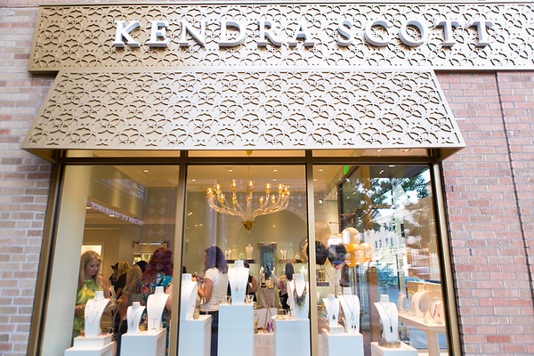 13Aug2015-BlogGuild-KendraScott-001
