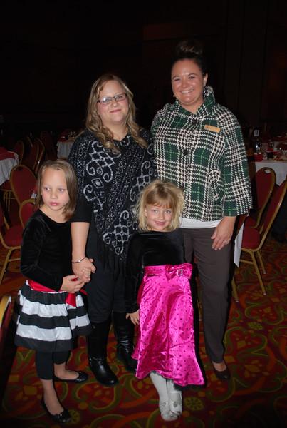 Kayslie Lyon, Elizabeth Lyon, Katelyn Lyon, Sylvia Norris 1