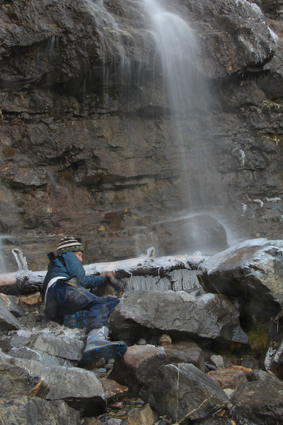 Beth Jakob getting ready for her morning shower - Tangle Falls, Canada - Sue Cole - October 2014