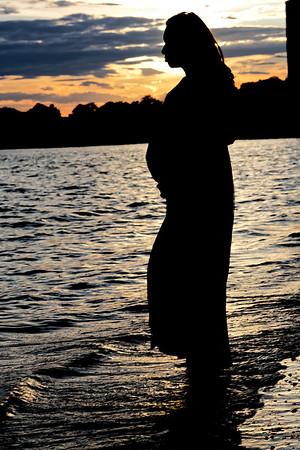 Alexis Maternity Shoot