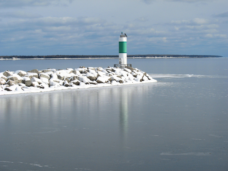 Alpena South Breakwater Light