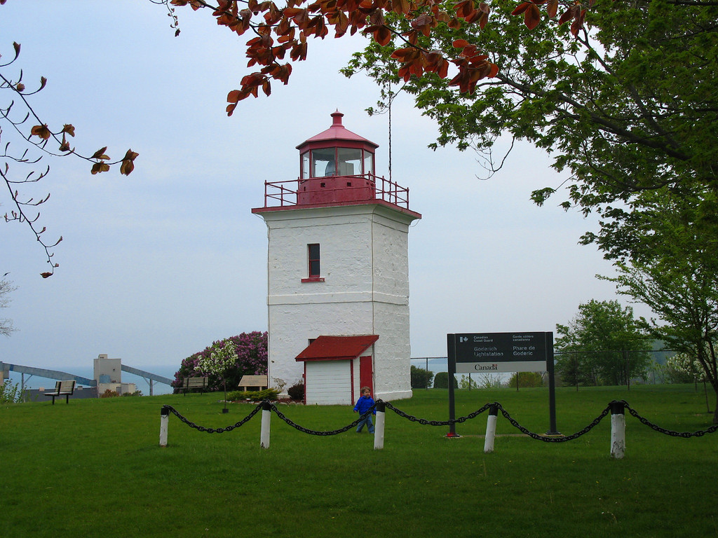 Goderich - This tiny light has a very important claim to fame. It was the first lighthouse constructed on the Canadian side of Lake Huron, constructed in 1847. The short tower sits atop a high cliff giving it a focal plane some 140' feet above the lake.