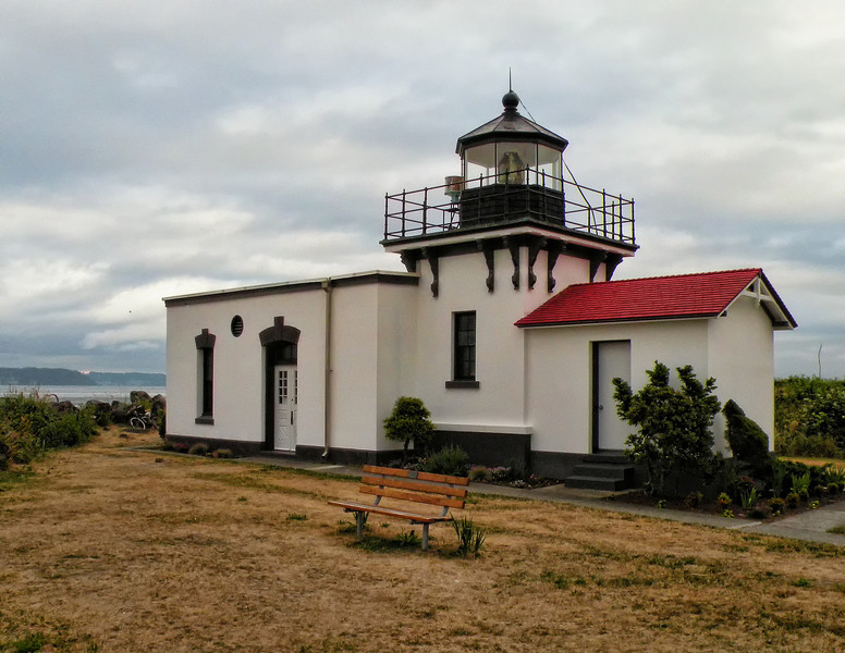 Unfortunately I did not have a DSLR with me while in Washington State and this Picture had to be taken with a bridge camera. This is the Point No Point Lighthouse.
