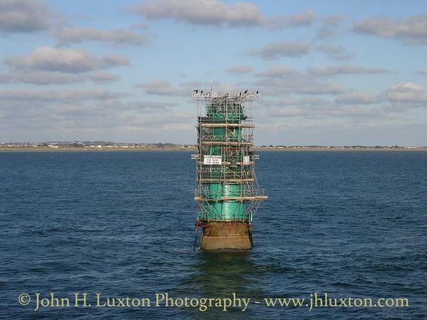 North Bull Lighthouse, Dublin Port, Eire - December 28, 2005