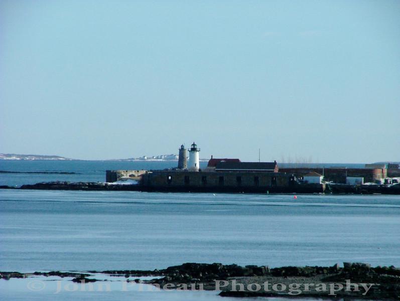 Whaleback Light (background) - Portsmouth Harbor Light (foreground)<br /> LH_0053-DSCF2833