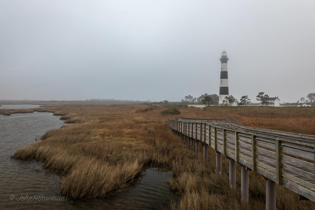 Bodie Island Lighthouse - foggy dawn (7:28 EDT)
