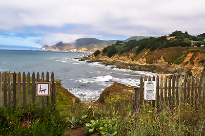The coastal trail near the Montara Lighthouse