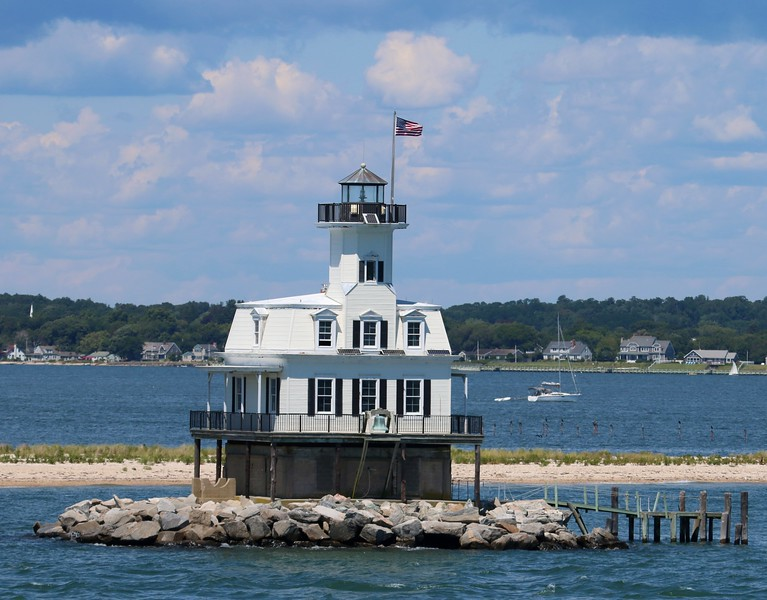 Long Beach Bar (Bug Light) Orient Harbor