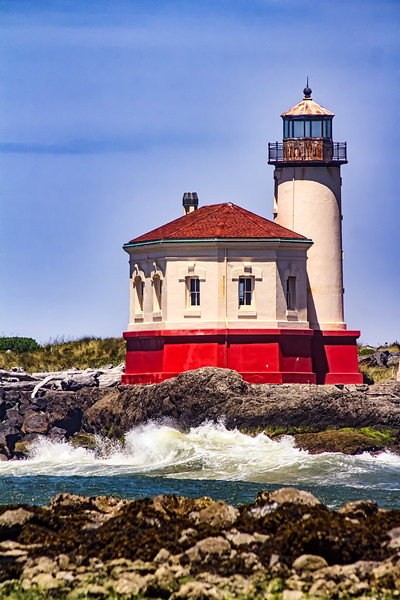 Coquille River Lighthouse, Bandon, Oregon Coast, USA (Vertical)