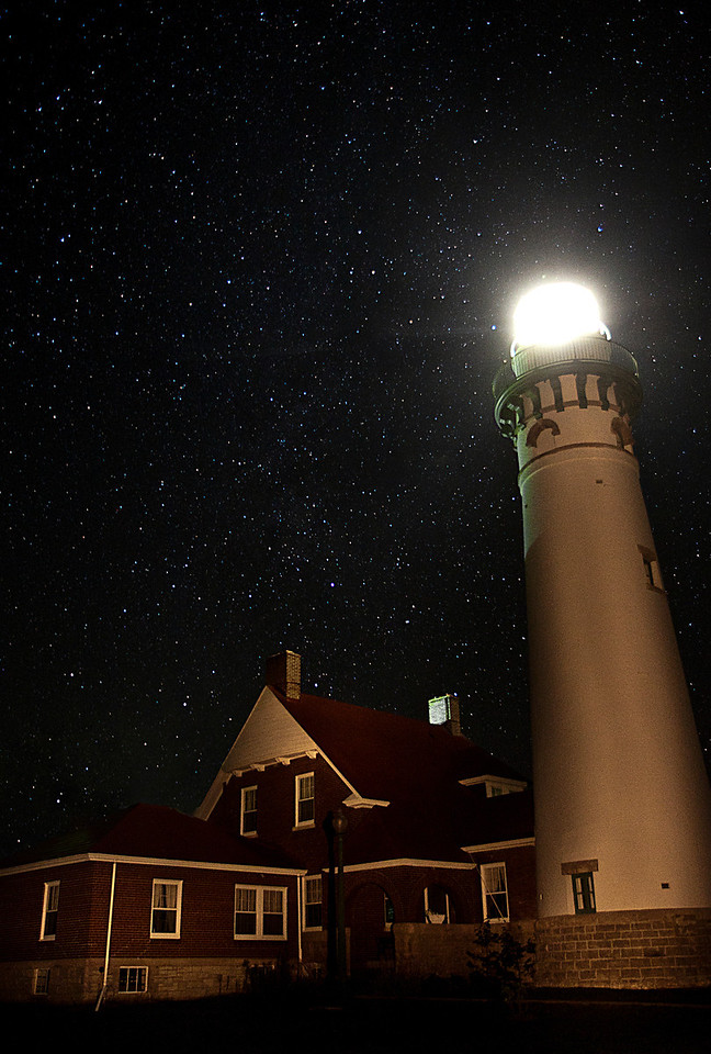 Suel Choix Point Light under the Stars