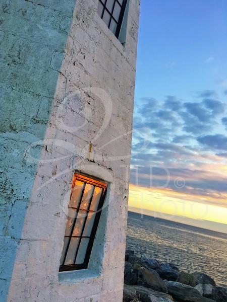 TLD_Seaside_Lighthouse_Window
