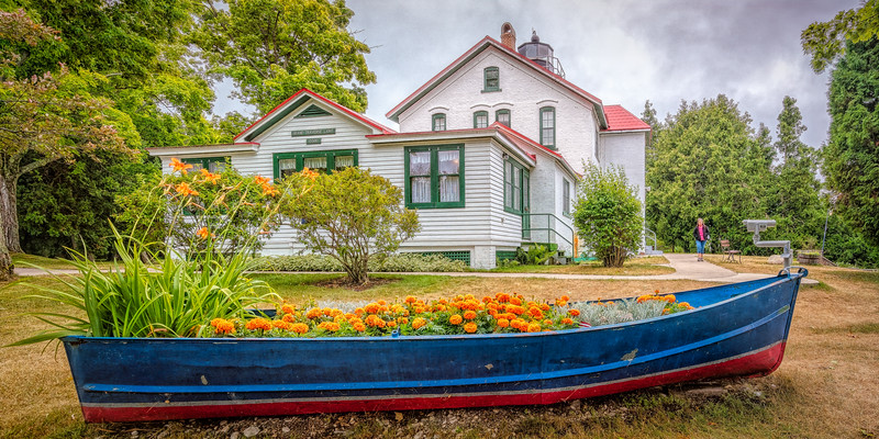 GrandTraverseLighthouse_01-705A.jpg