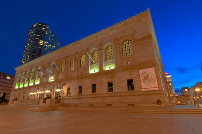 The Boston Public Library makes me so happy. A full city block replete with the  knowledge, thoughts, emotions, artwork, philosopy, history, opinions, & dreams of hundreds of thousands of people over thousands of years!  Anyone else get goosebumps thinking of it?  Slap on the light at dusk, the stunning architecture, and well, I...I get shivers.