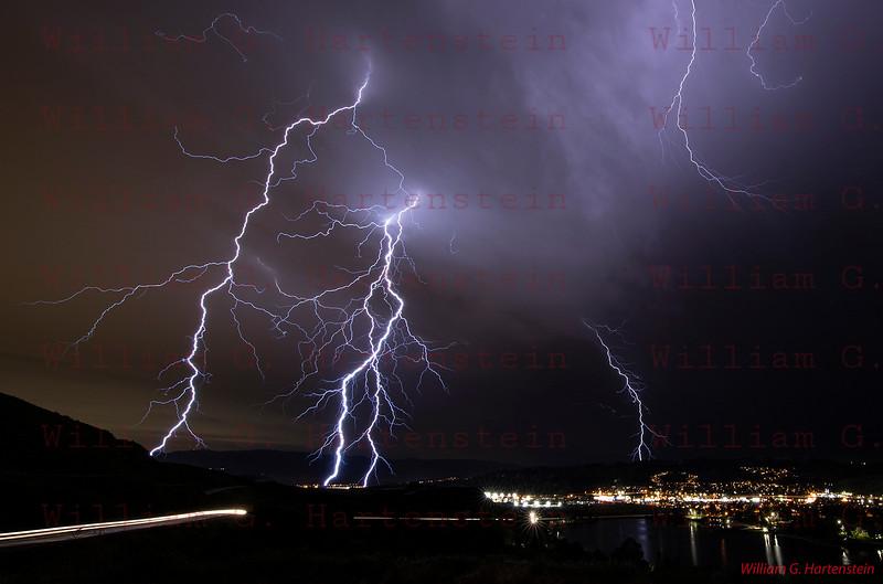 Lightning over Santa Clarita, CA. 03-05-2019