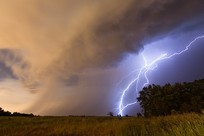 An elevated thunderstorm puts on a lightning show in Norman, OK, just after midnight on June 17, 2008.