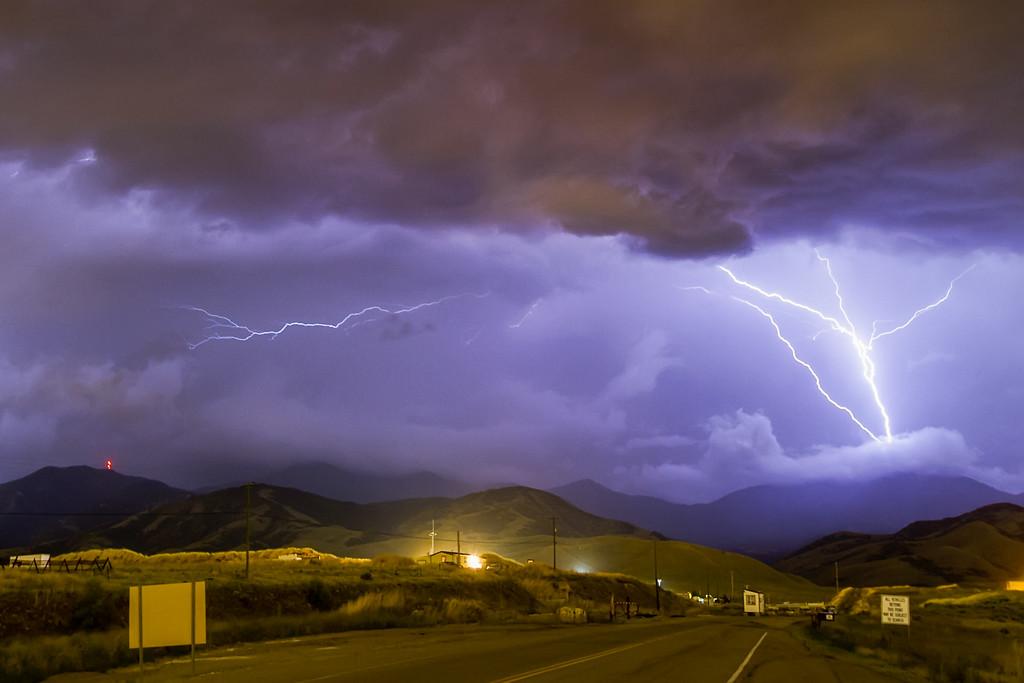 Farnsworth Peak, upward lightning