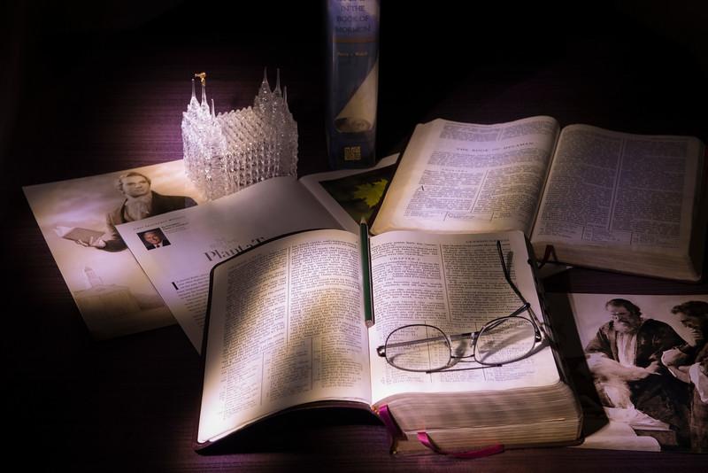 2013-12-28 Lightpainting - Scripture Study-010 (Adjusted)