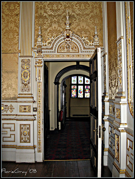 A Very Elegant Entrance