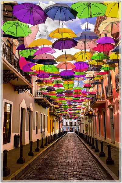 Sombrillas en La Fortaleza, Viejo San Juan