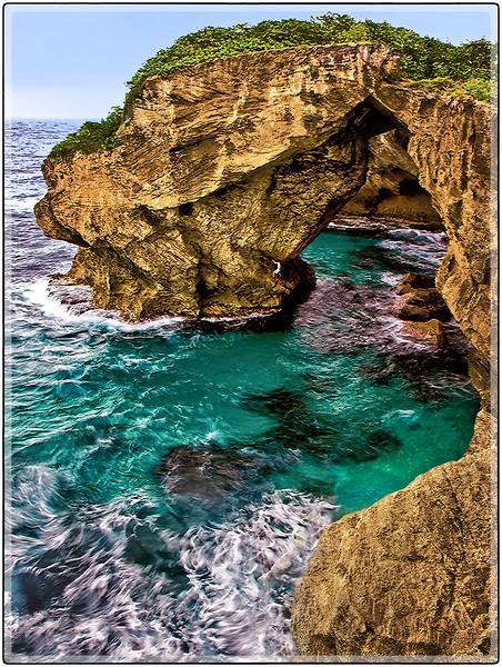 Explorando La Cueva del Indio, Arecibo