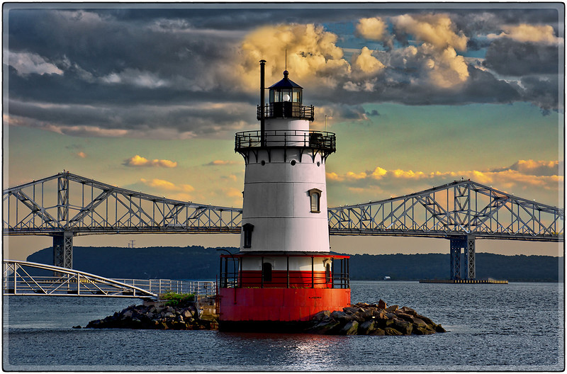 Sleepy Hollow Lighthouse (with old bridge)