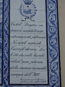 Camogli, writings in front of the church