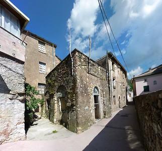 Statale, ancient stone house; photo stitched from 54 shots with Autopano Giga  Statale, antica casa di pietra; immagine ricavata unendo insieme 54 scatti singoli.