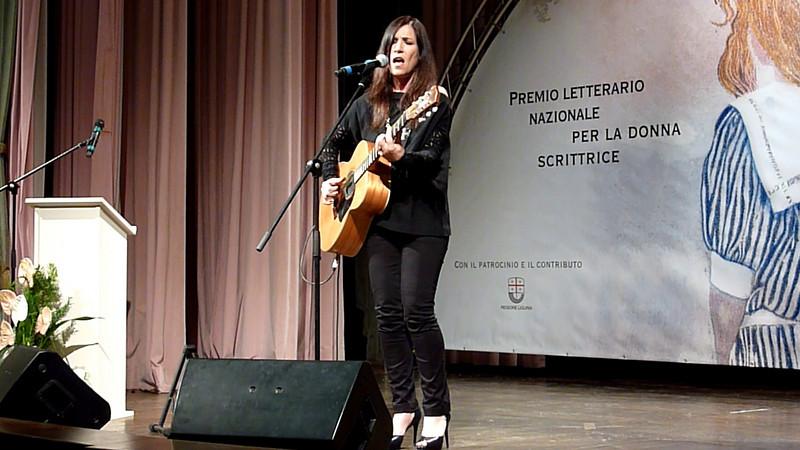"""""""Danza intorno al sole"""", Paola Turci al Premio letterario nazionale per la donna scrittrice Rapallo Carige."""