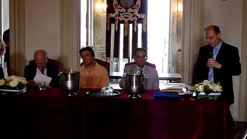 """Conferenza di Magdi Cristiano Allam a Villa Durazzo, Santa Margherita Ligure, domenica 11 luglio. Nell'ambito del tradizionale appuntamento di """"Tigulliana Incontri Estate"""", organizzato da Marco Delpino,è stato conferito a Magdi Cristiano il """"Premio Internazionale Golfo del Tigullio 2010″ per la Cultura. Nell'occasione sono intervenuti Luigi Ceffalo, Paolo Maria Solari, il sindaco di Santa Margherita Ligure Roberto De Marchi.<br /> Prolusione di Marco Delpino"""