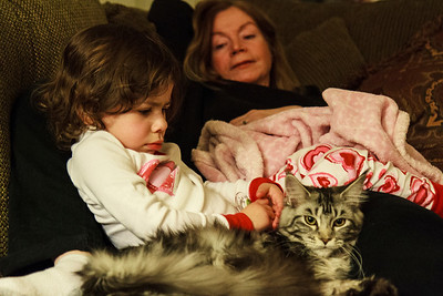 Lila relaxing with Lulu and Mommy.