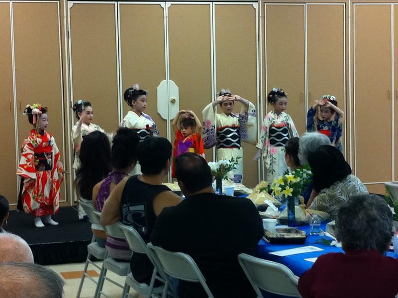 Lunch with grandma - Japanese dance