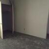 Empty Ontario house4