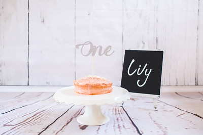 Lily Cake Smash