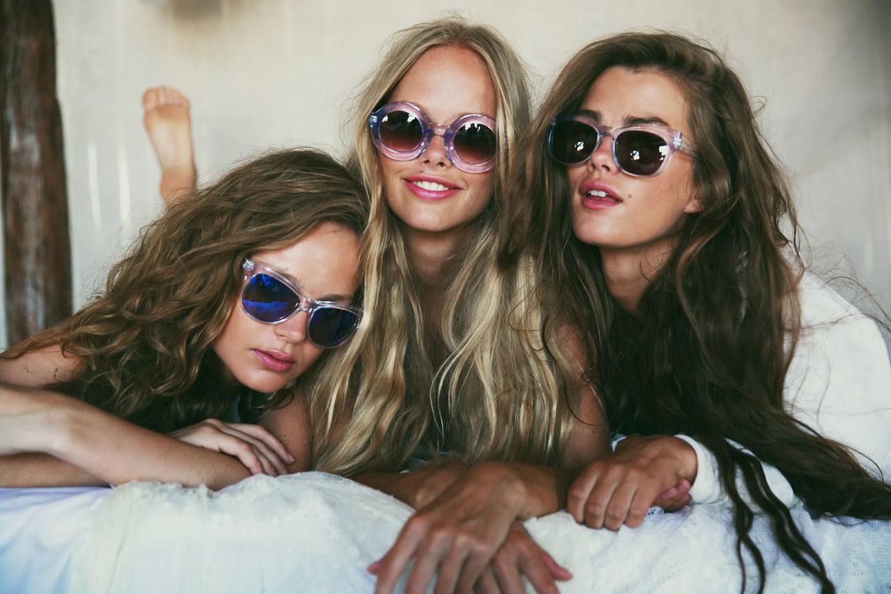 Girls077