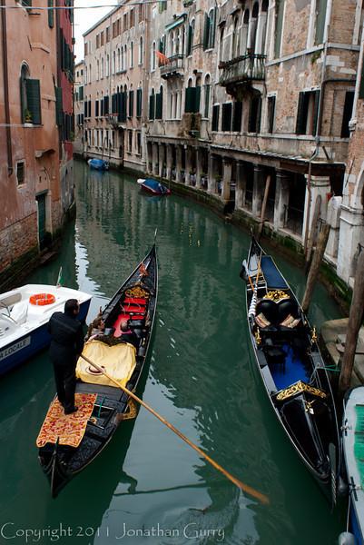 1226 - Gondola in Venice, Italy.