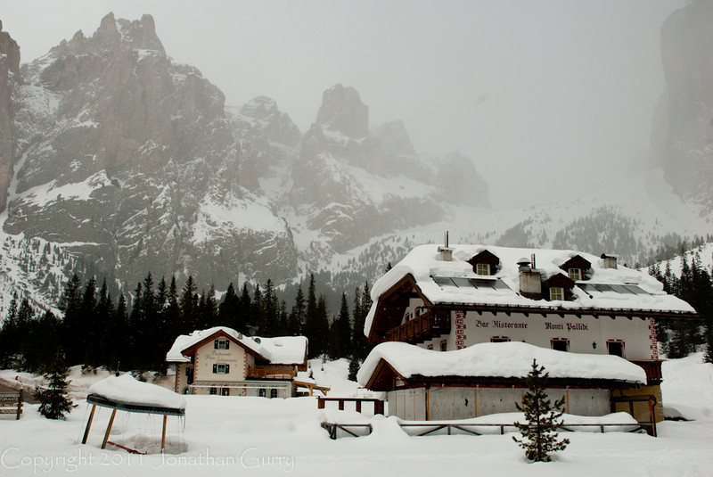 1199 - Private lodge in the Dolomites, Northern Italy.