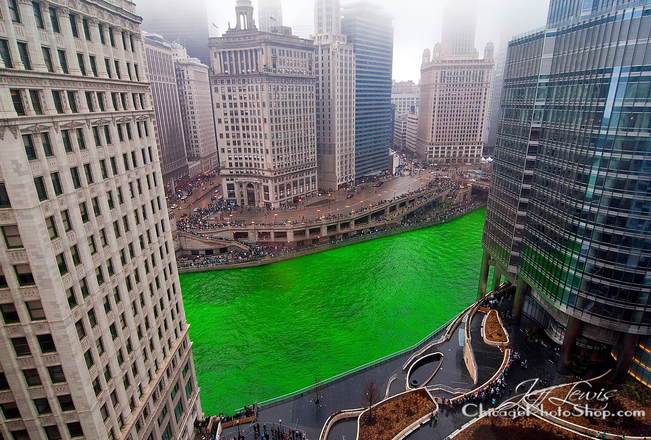 It's that time of year #Chicago #greenriver #StPatricksDay