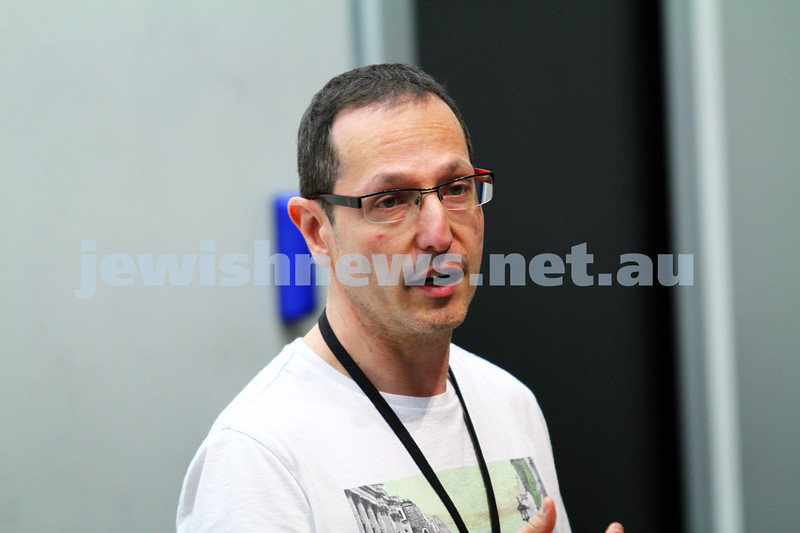 """8-6-14. Limmud Oz 2014. """"The torah text: fact or fantasy"""" Tommy Sterling.  Photo: Peter Haskin"""
