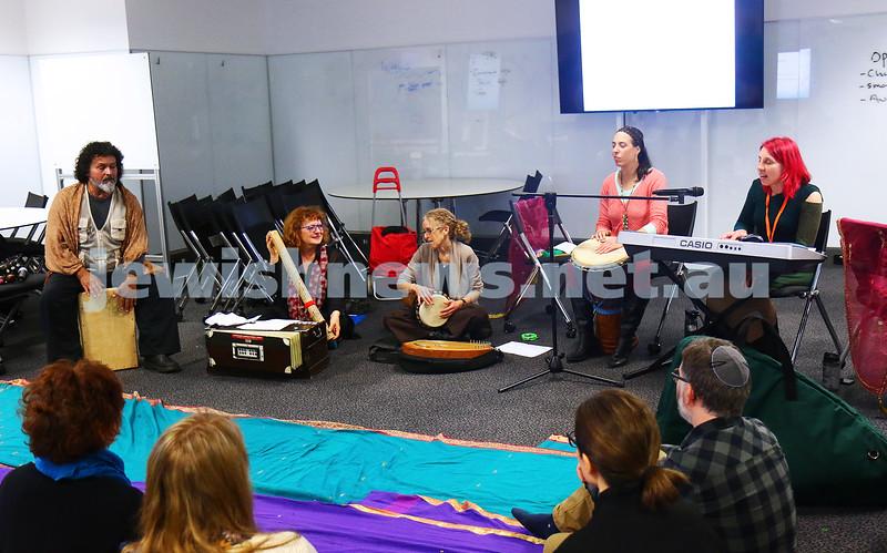 27-6-16. Limmud Oz. Melbourne 2016. Hebrew kirtan: devotional prayer. Photo: Peter Haskin